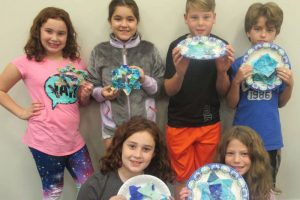 Arts and Crafts at RGRS Sunday School for Jewish Children